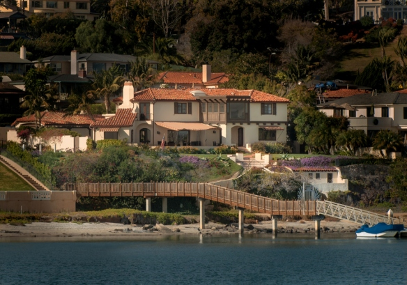 Requa-exterior-Harbor-Bay
