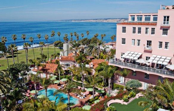 beach-coast-elegant-exterior